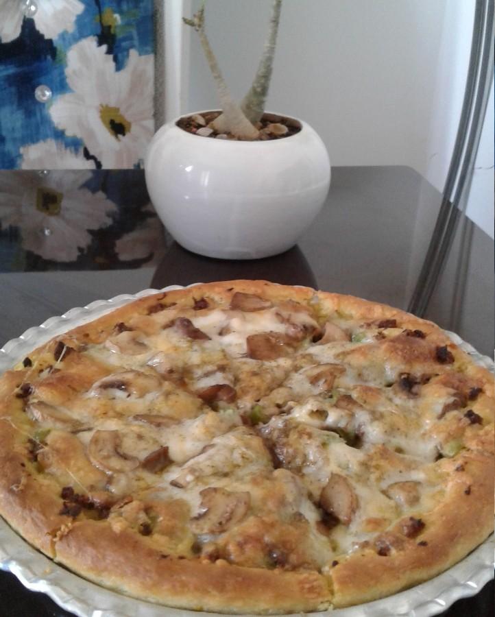 پیتزای قارچ و گوشت