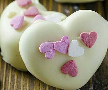 عکس قلب شکلاتی برای ولنتاین