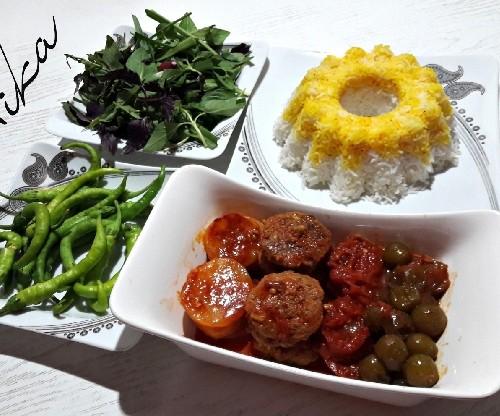عکس خوراک گوشت باآلوچه (گوجه سبز)