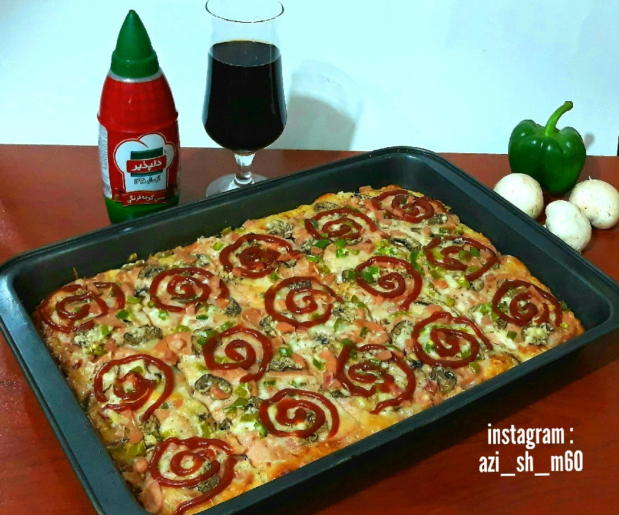 عکس پیتزا با خمیر همه کاره