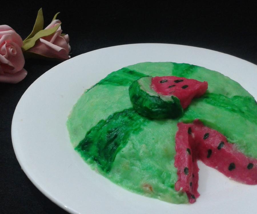 عکس سالاد الویه به شکل هندوانه