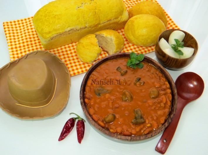 عکس خوراک لوبیا چیتی با قارچ
