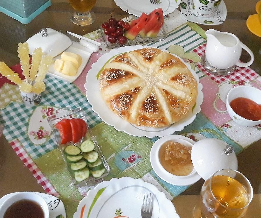 عکس نان صبحانه پنیری