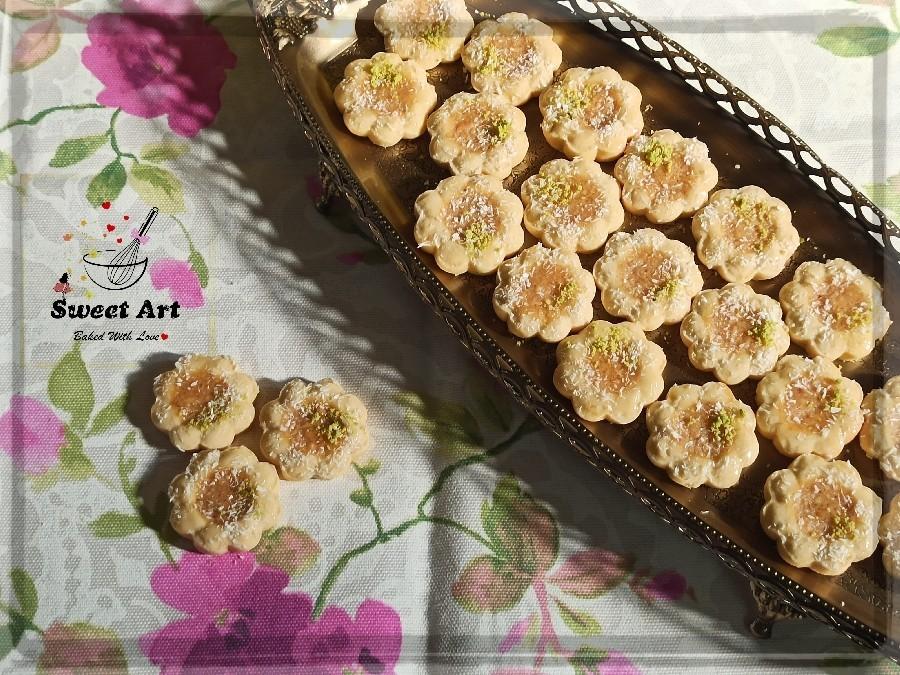 عکس شیرینی بادامی با خمیر مارسپان