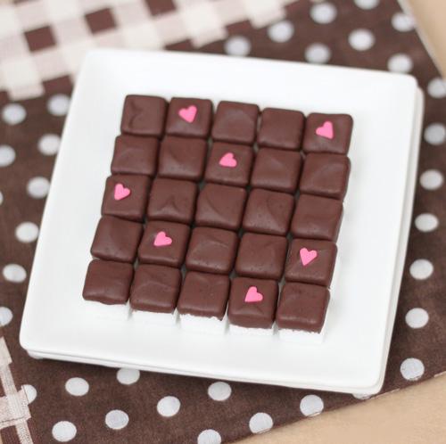 عکس قند های شکلاتی