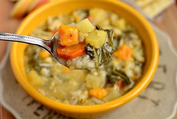 عکس سوپ جو با مرغ (رژیمی)