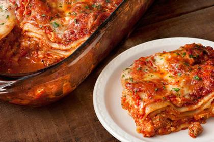 عکس لازانیای سوسیس و گوجه