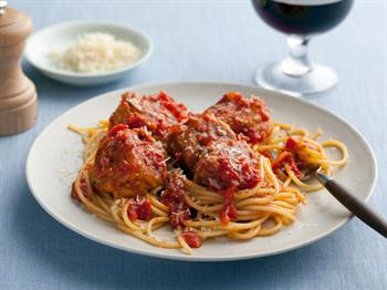 عکس اسپاگتی با کوفته قلقلی پنیری