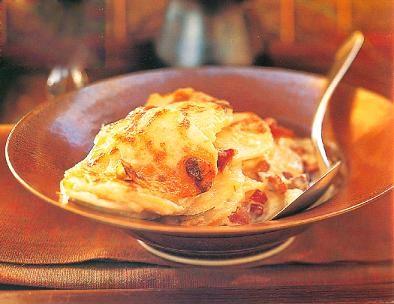 عکس املت سیب زمینی و پنیر
