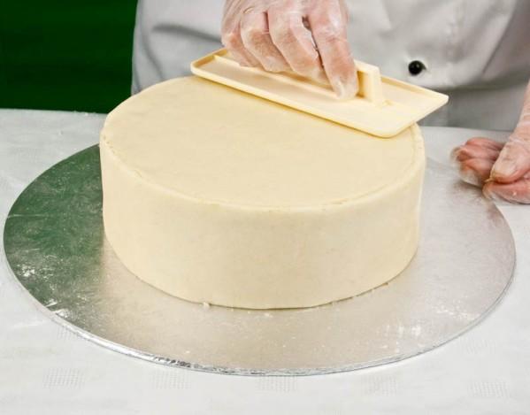 عکس خمیر تزئینی کیک مارسیپان