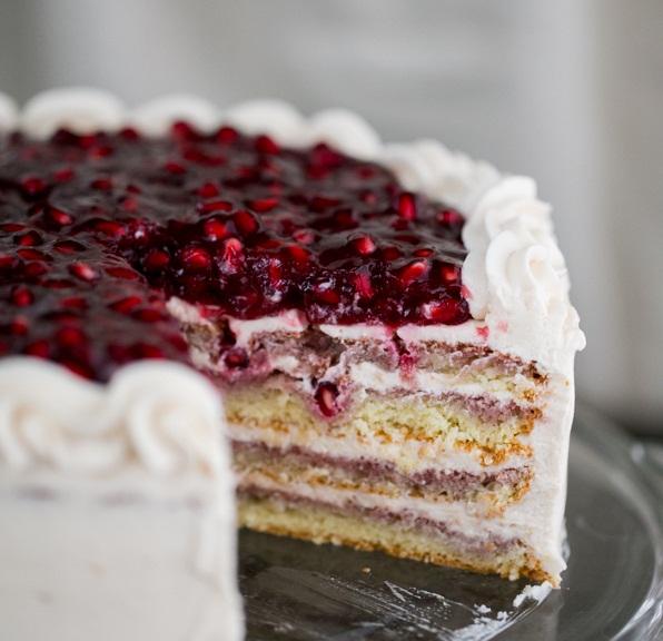 عکس کیک با تزیین انار