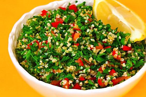 عکس سالاد بلغور با سبزیجات تبوله