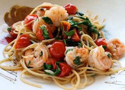 عکس اسپاگتی با میگو و گوجه